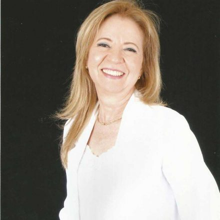 Dra. Claudionora Lima da silva