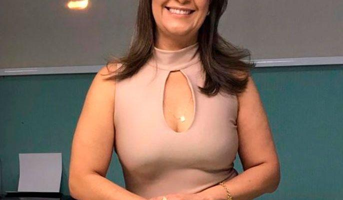 Dra. Flávia Ambrózio
